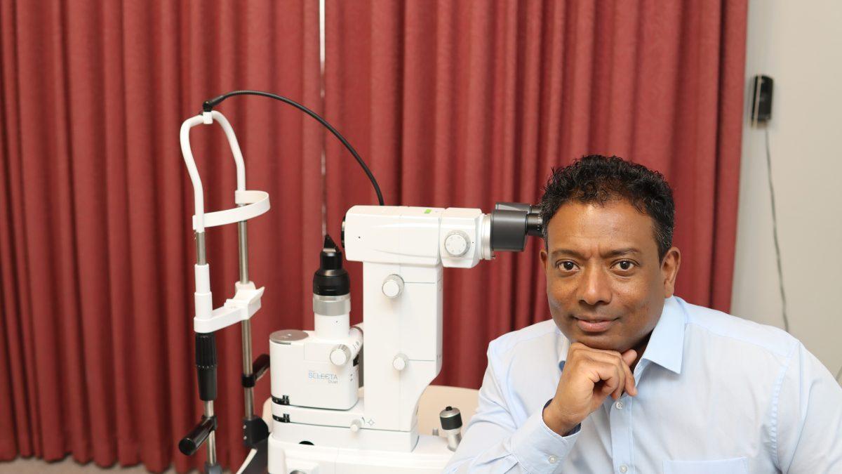 Mr Don Williams Consultant Specialist Optom & Director